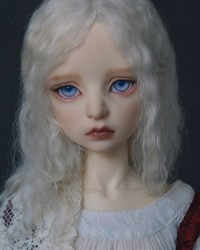 57cm Evelyn Head